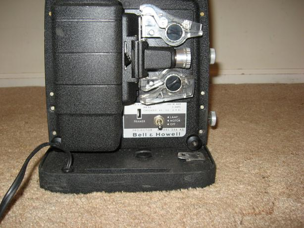 Bell & Howell Film projector Model 256 AS Auto Load 8mm