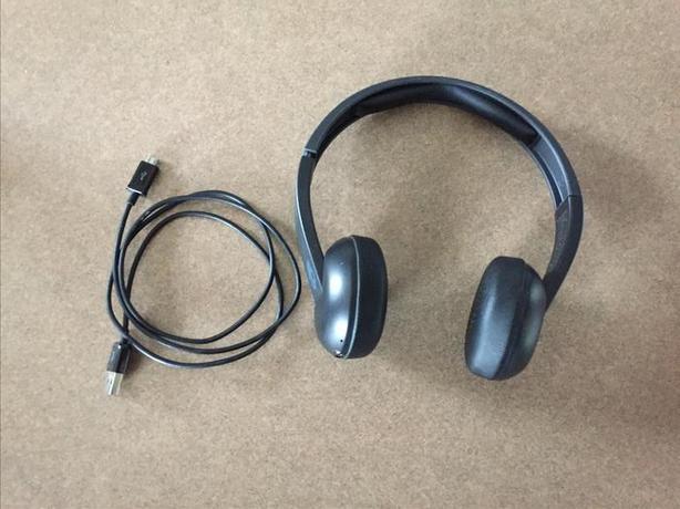 Skullcandy S5URJW-546 Uproar Bluetooth Wireless Headphones