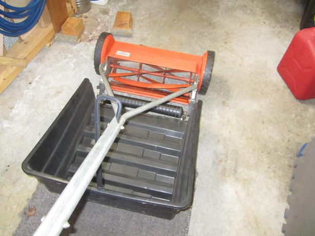 FREE: Push lawn mower and catcher