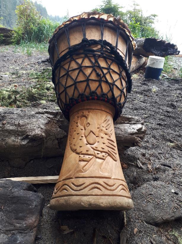 FOR TRADE: Beautiful HUGE Djembe for Classical Guitar