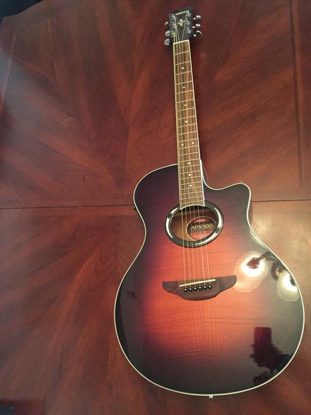 Yamaha Guitar with hook