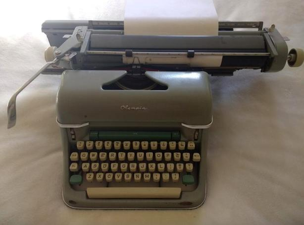 Olympia SG-1 Typewriter