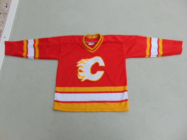 Hockey Jersey Child Size 6-7 CCM Vintage Calgary Flames Minor Wear