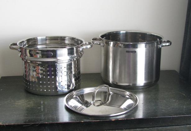 DeLonghi Stock/Pasta Pot with Strainer & Lid