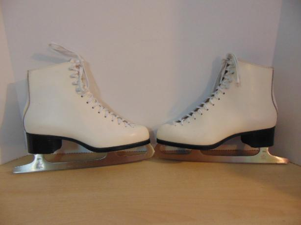 Figure Skates Ladies Size 9 Jackson Mystique Leather  Excellent