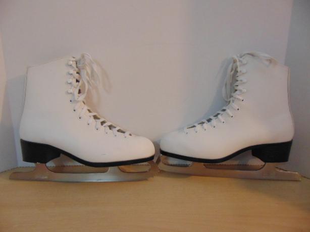 Figure Skates Ladies Size 10 CCM Competition Excellent