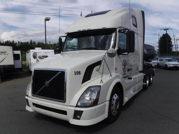 2011 Volvo VNL Sleeper Cab Highway Tractor Diesel