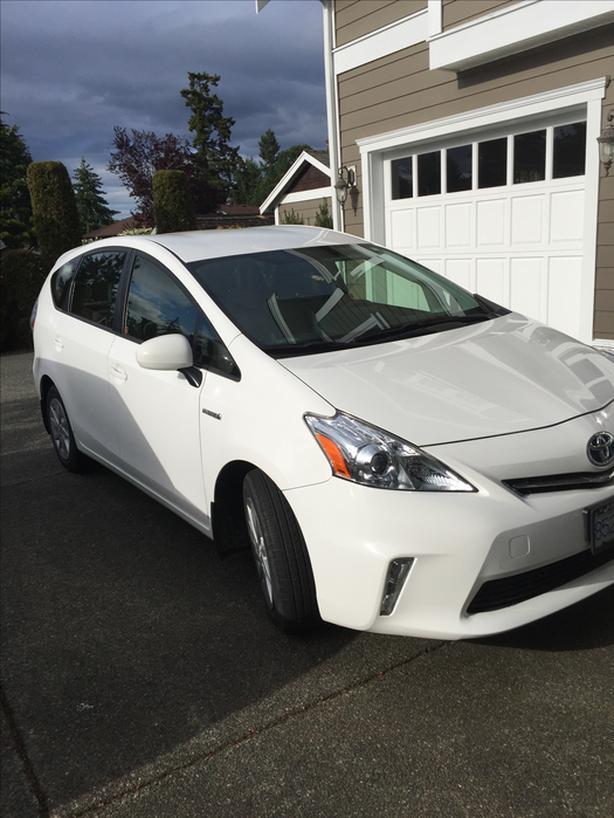 2012 Toyota Prius V - White - Under 74K