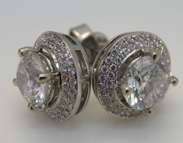 VERY LARGE and STUNNING 18kt DIAMOND EARRINGS! (3.20ct tw)