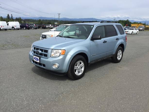 SAVE ON GAS! GO GREEN! 2009 FORD ESCAPE HYBRID, ONE OWNER!