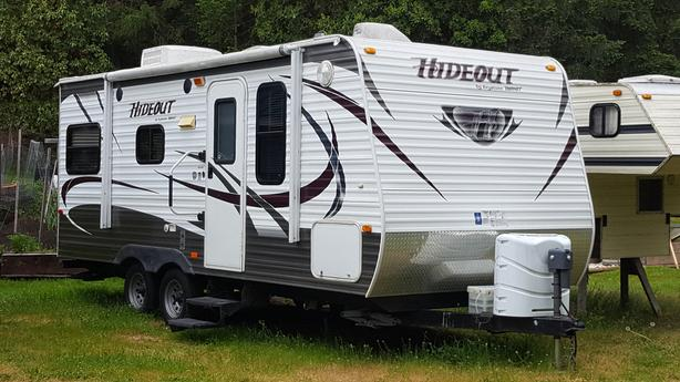 2012 Hideout 20' Travel Trailer