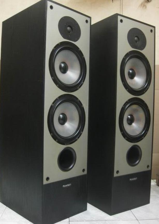 PARADIGM 9se MkII Tower Speakers - great Sound!!