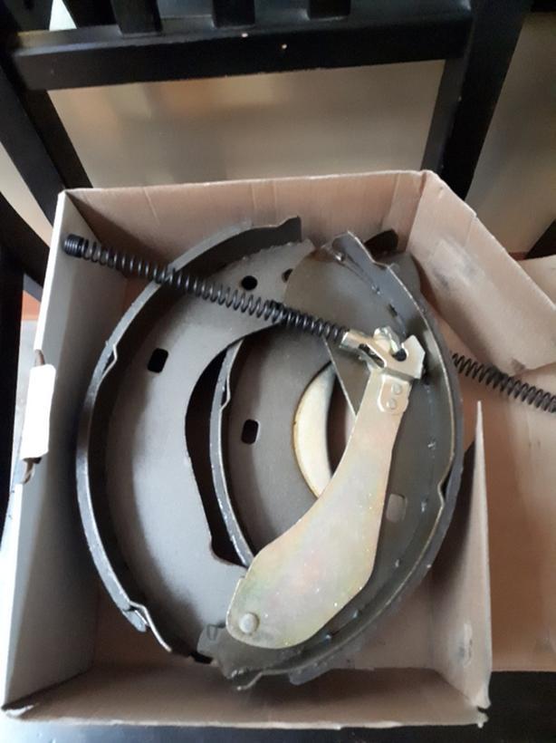 Raybestos brake shoe kit GMC truck