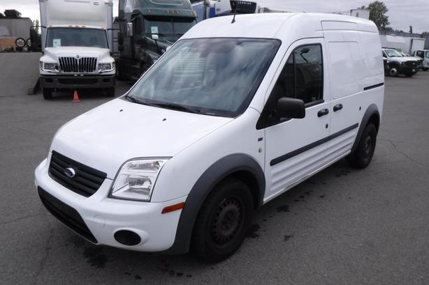 2012 Ford Transit Connect XLT with Bulkhead Divider