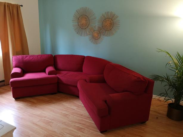 Red Sectional 450 Obo Victoria City Victoria