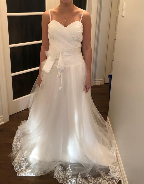 NEW SIZE 4 WEDDING DRESS