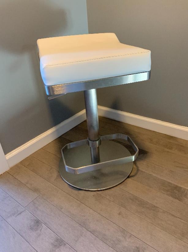 Island/Bar stool