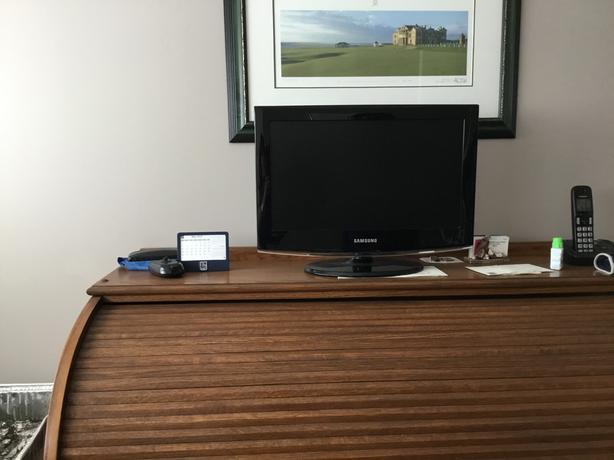 19 inch samsung TV/monitor