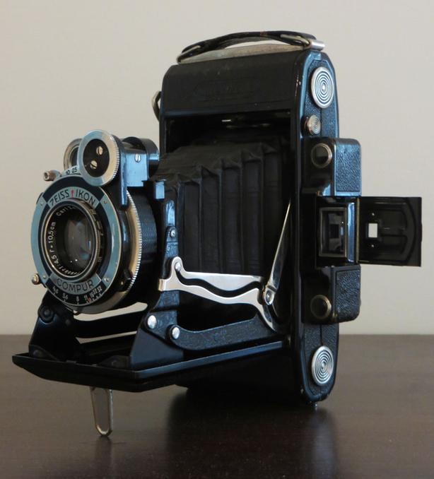 Or best offer  Zeiss Ikon - Super Ikonta 6x9 camera Victoria