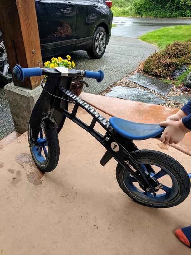 Push / balance bike and helmet