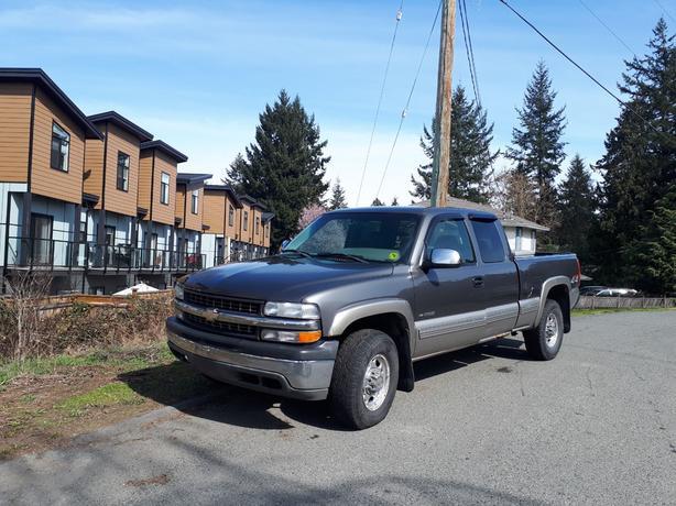 2000 Chevy Silverado 2500 pickup truck