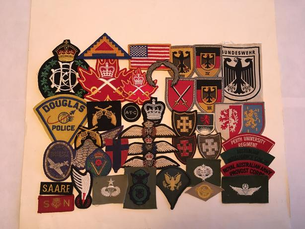 misc vintage military and other patches Duncan, Cowichan