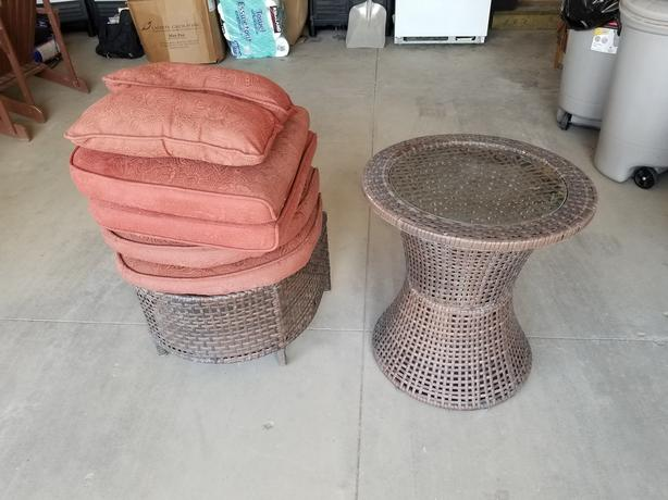 Coffee Table Foot Rest Amp 6 Pillows For Sale West Regina