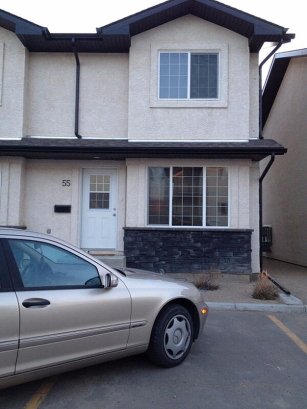 A 3 bedrooms Lovely AAA condition TownHouse for Rent available