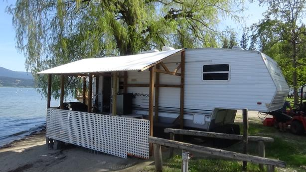 RV for rent on Shuswap lake
