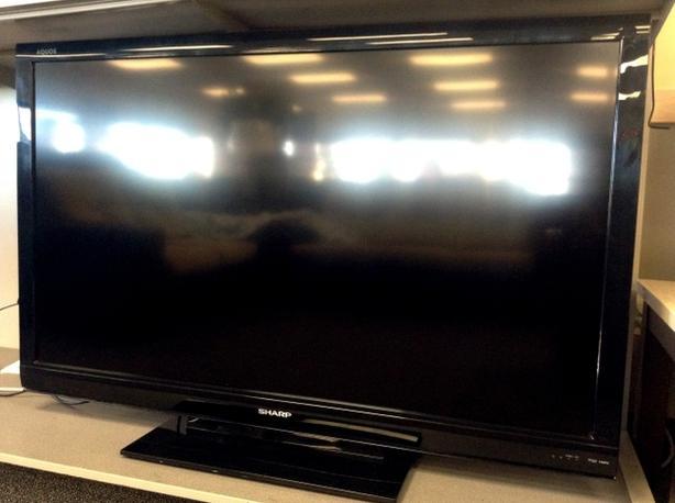 "60"" Sharp Aquos 1080p 120 hz TV"