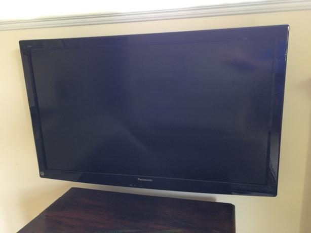 "Panasonic 42"" Flatscreen Viera LCD TV plus wallmount"