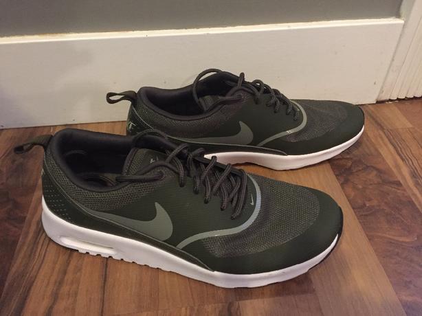 pretty nice 940c3 95a3c Nike Air Max Thea Women s size 8.5