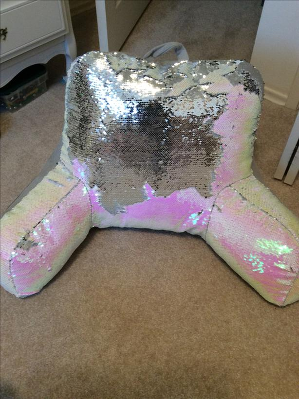 Back cushion grey/pink and sequins