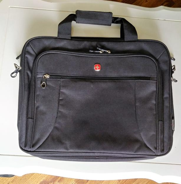 "Swiss Gear 17.3"" Laptop Business Case"