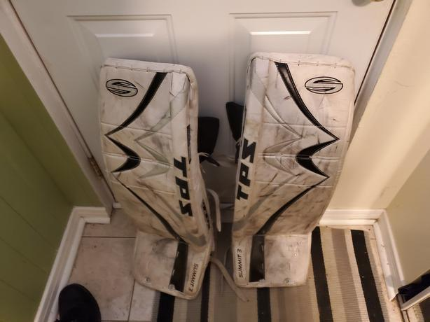 TPS summit 3 goalie pads