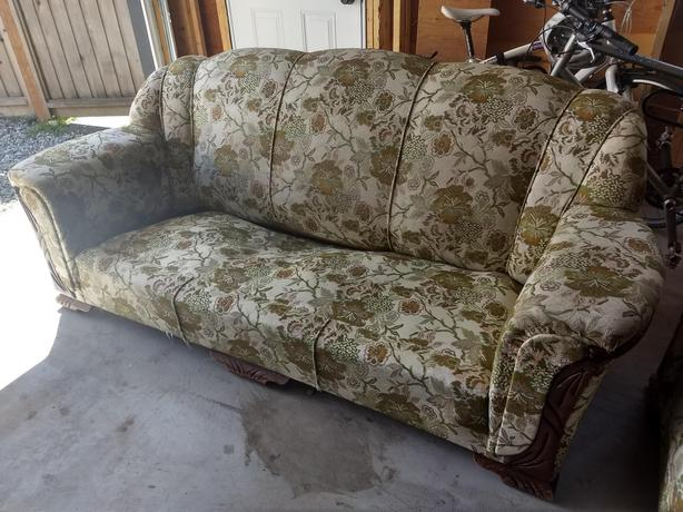 Stupendous Couch And Two Chairs Victoria City Victoria Short Links Chair Design For Home Short Linksinfo