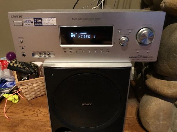 Sony Receiver Sub and 5 Surround sound speakers Malahat