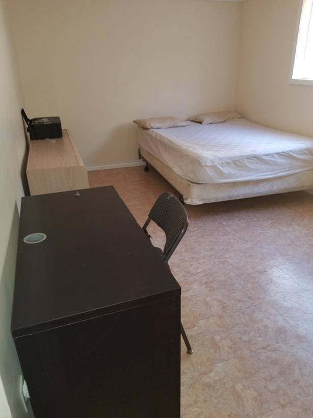 AVAILABLE SEPTEMBER 1ST,1 UNFURNISHED room (female preferred)