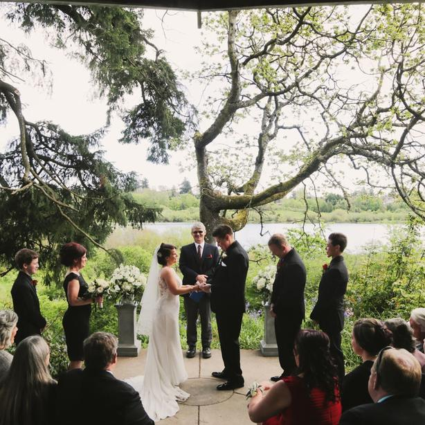 Stunning Outdoor Wedding Location (with indoor option available)
