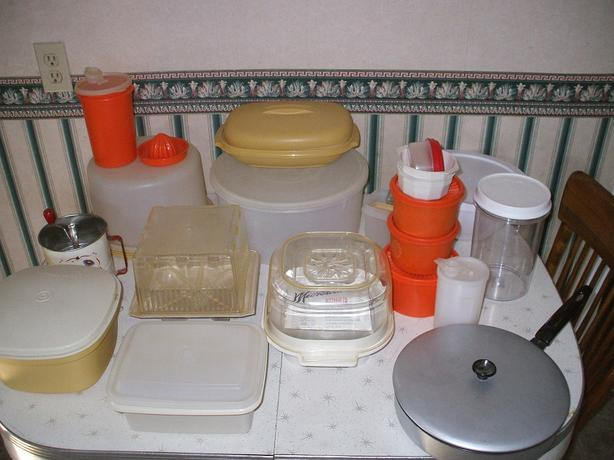 Various Tupperware/Cookie tins and other Containers