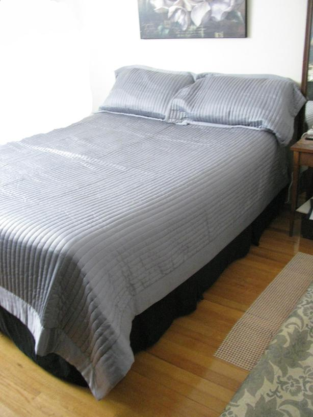 Ribbed Grey/Blue Quilt & European shams (lightweight/summer)