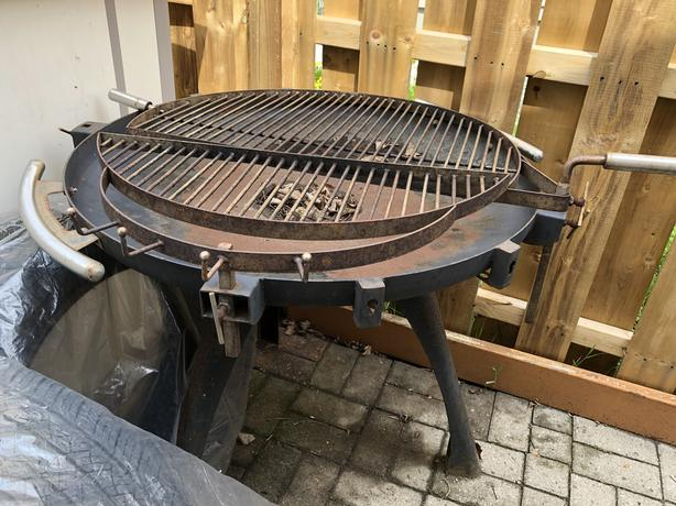 Open charcoal bbq