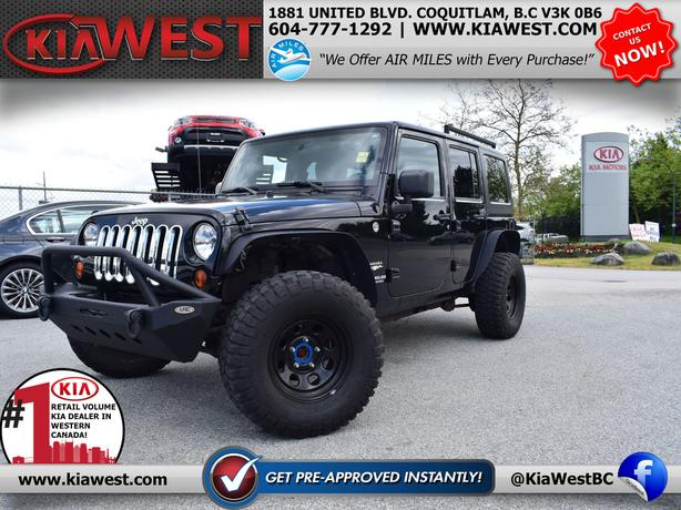 2011 Jeep Wrangler Unlimited Sahara 3.8L V6 4WD
