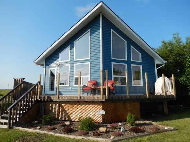 House (Cabin) near Waterton Provincial Park
