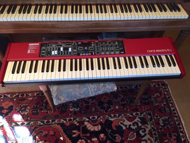 Nord Electro 5 73-Key Semi- Weighted Keyboard with case