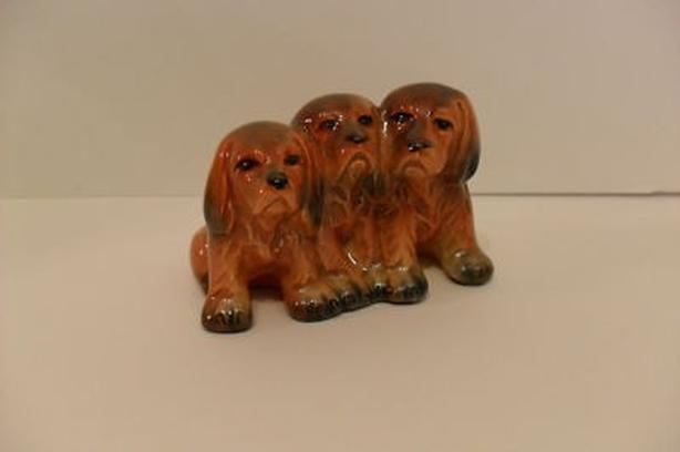 Vintage Beswick England #917 Figurine Three pups