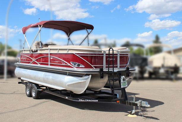 2014 SunTracker Regency Party Barge 220 XP3 w/ Mercury 200Hp Verado L4