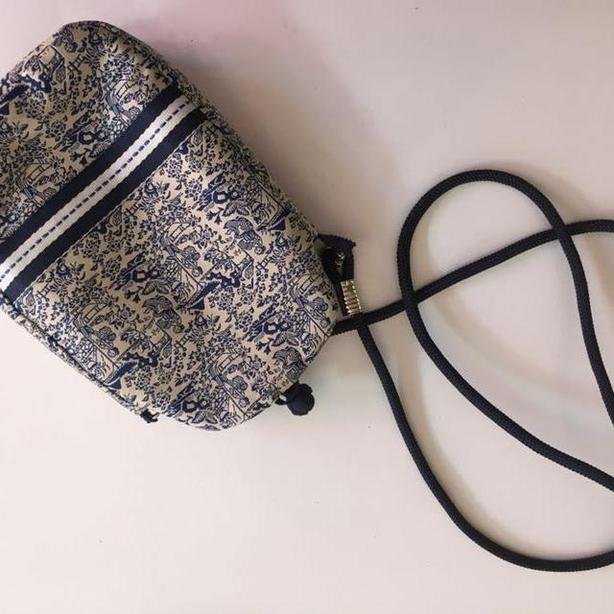 Little purse with chinoiserie toile fabric