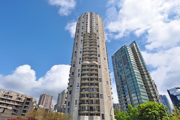 1 Bedroom Suite In The Fabulous View of Granville Island!
