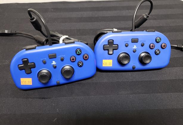 PS4 Hori Mini Wired Controllers